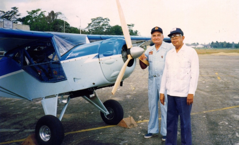 Dr Ray Wijewardene (left) with two-seater plane he designed for Dr Cyril Ponnamperuma in 1990