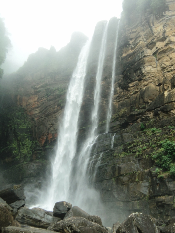 Laxapana Falls, image courtesy Wikimedia Commons
